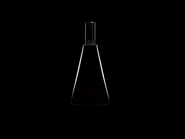 Тонкий абажур фонаря конусообразной формы