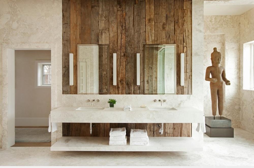 Уникальная ванная комната с шикарной статуей