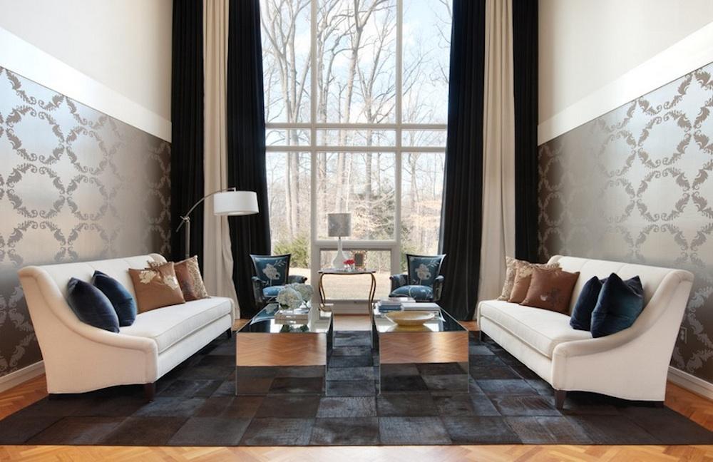 Шикарная гостиная комната с удивительным видом из окна