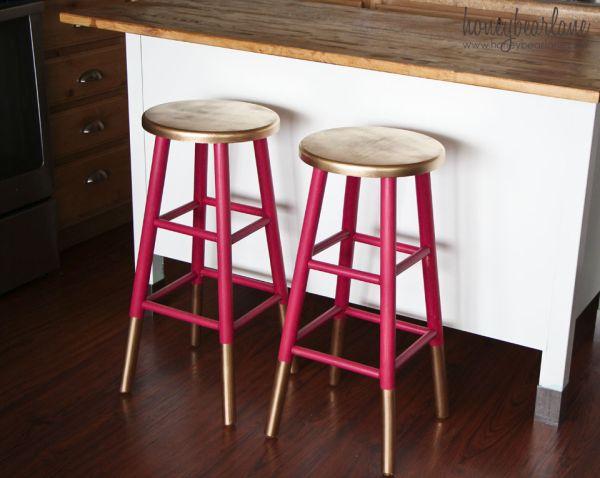 Золотисто-розовые барные стулья