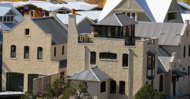 Парапет крыши как архитектурно-декоративное решение