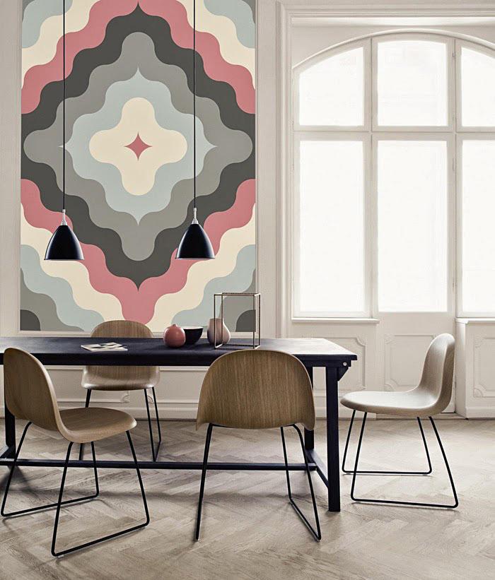 Абстрактная картина на стене в интерьере
