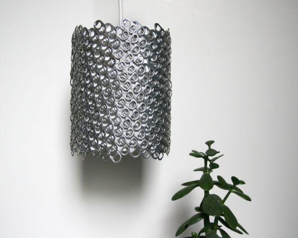 Светильник из металлических ярлыков от косервов или банок пива