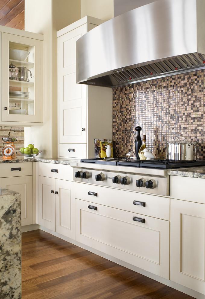Кухня в переходном стиле
