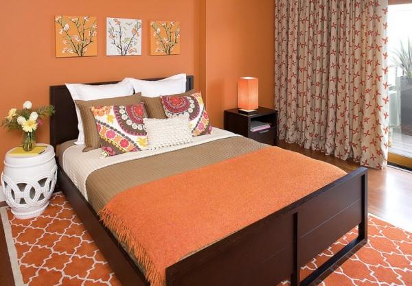 Спальня в апельсиновых красках