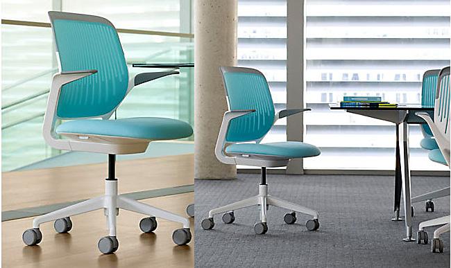 Голубенькие кресла для офиса