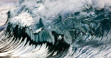 Застывшие во времени океанские волны на фотографиях от Пьера Карро
