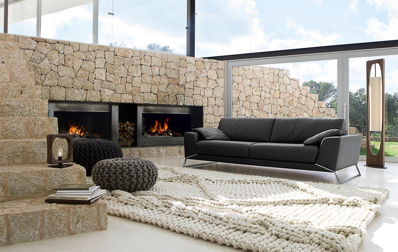 Плетеные коврики - фото гостиной