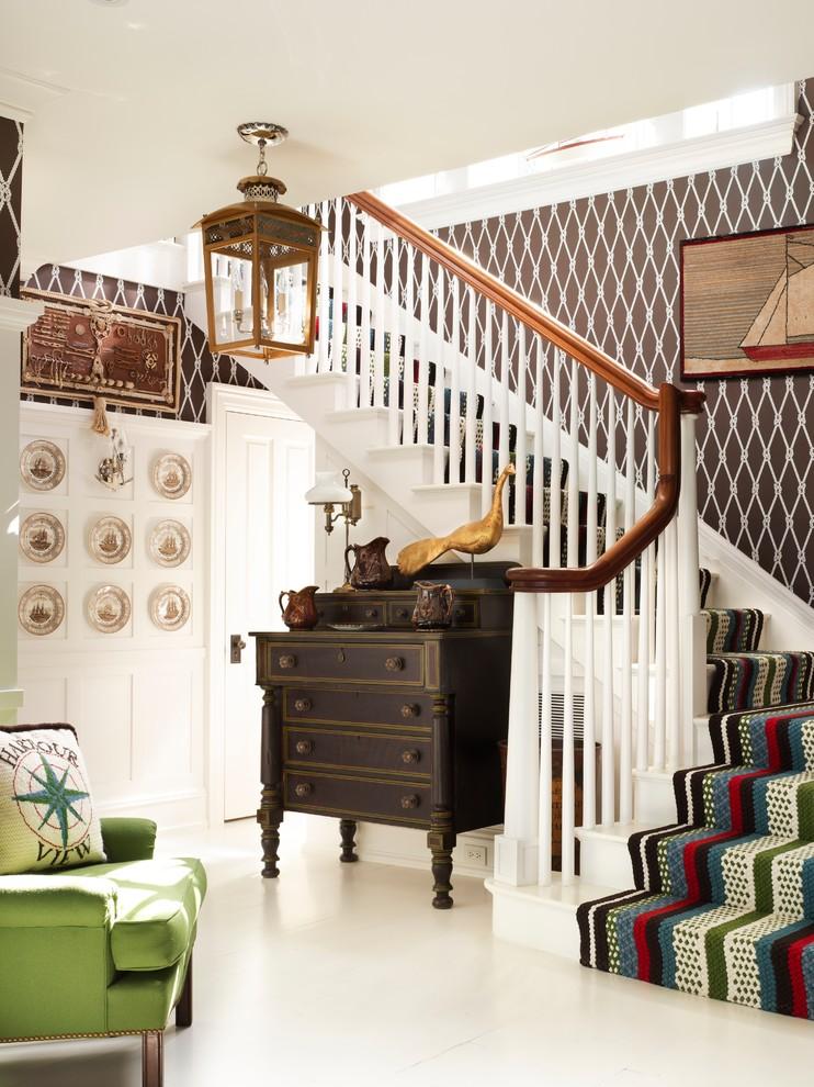 Интерьер гостиной в стиле кантри - фото плетеного коврика