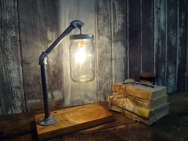 Светильник в промышленном стиле с банкой