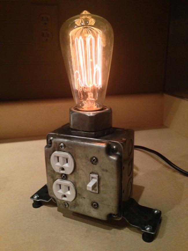 Светильник в промышленном стиле от Marty Belk Designs