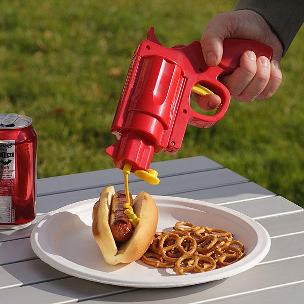 Полезные гаджеты: Дозатор для горчицы в виде пистолета