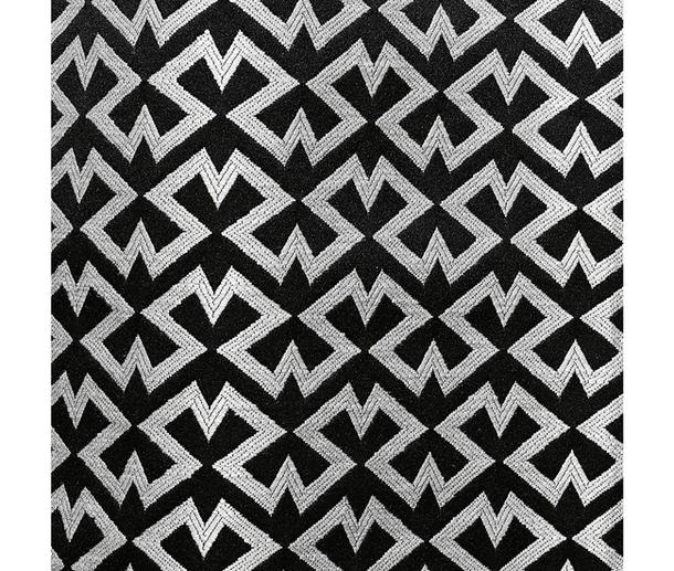 Ткань с чёрно-белым зигзагообразным узором