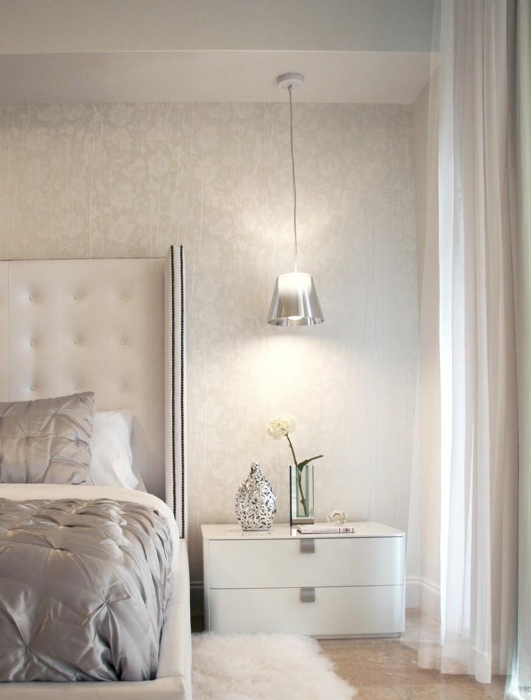 Серебристый подвесной светильник в интерьере от DKOR Interiors
