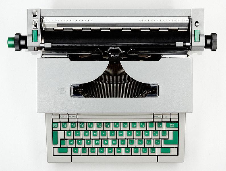 Радикальный дизайн техники: печатная машинка Olivetti