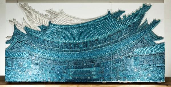 Настенная роспись в виде восточного дома из предметов для рукоделия
