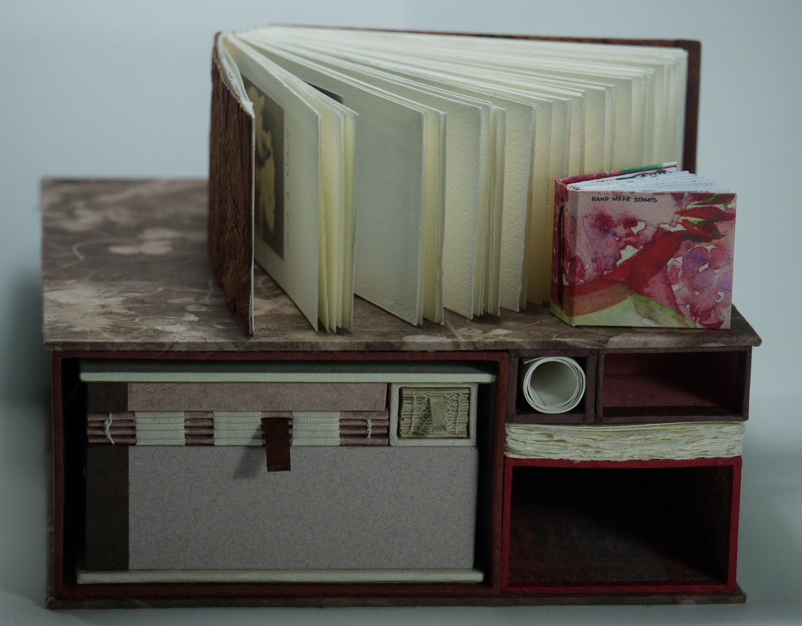 Randy Parkhurst: librería con sorpresas y escondites.