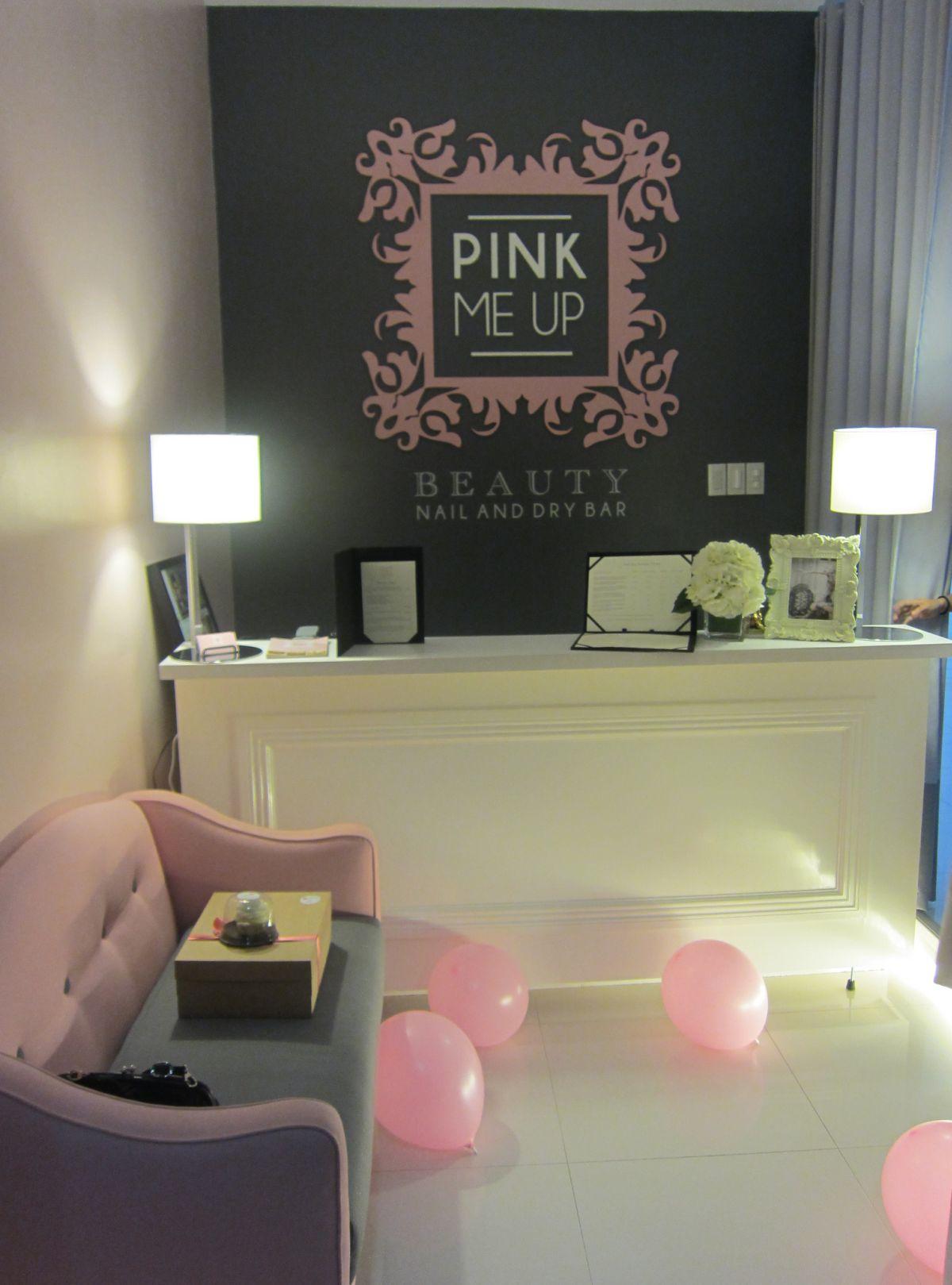 Приемная компании Pink Me Up