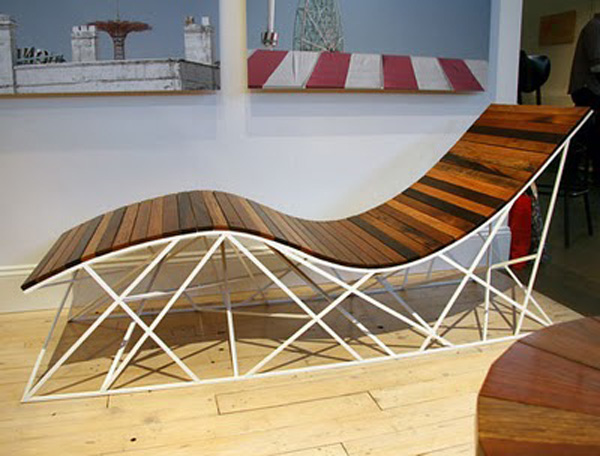Восхитительная деревянная мебель из переработанного сырья: шезлонг