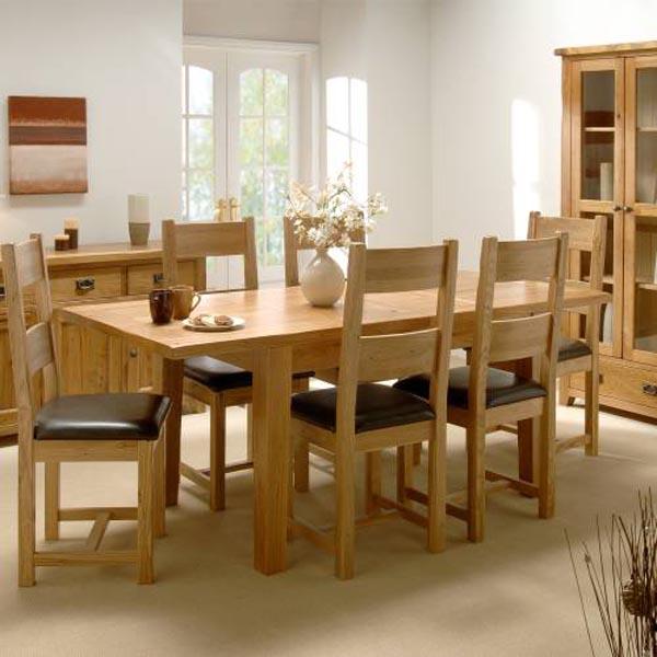 Уникальная деревянная мебель из переработанного сырья: кухонный стол и стулья