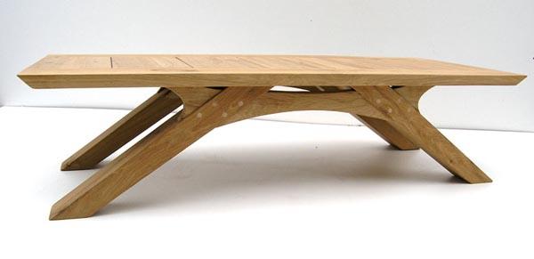 Замечательная деревянная мебель из переработанного сырья: раскладной столик