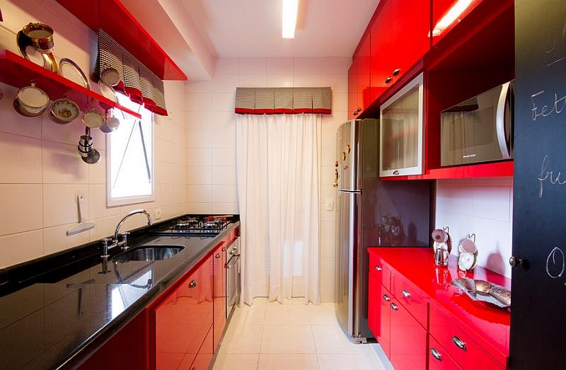 Кухня в красно-черно-белом цвете