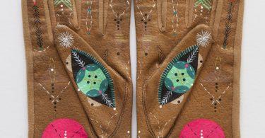 Кожаные перчатки с ручной росписью от Банни Райсс