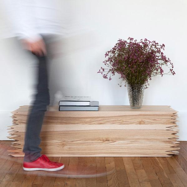 Замечательный дизайнерский столик, олицетворяющий наше неудержимое желание потребления