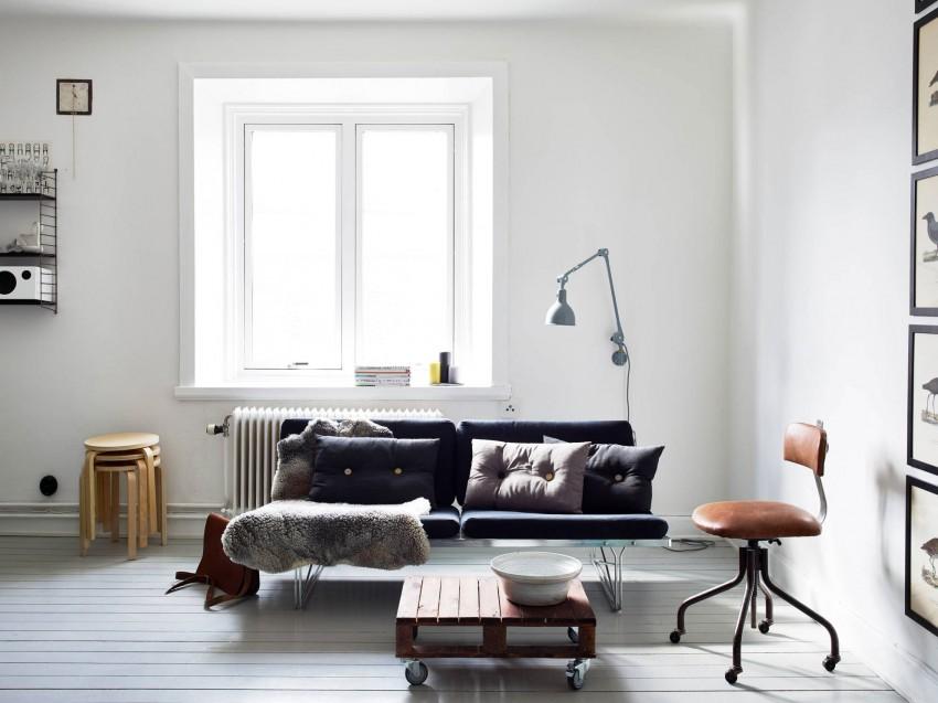 Красивый дизайн комнаты с окном в скандинавском стиле
