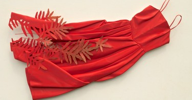 Трёхмерные модели винтажной одежды из окрашеной фанеры от Рона Айзекса