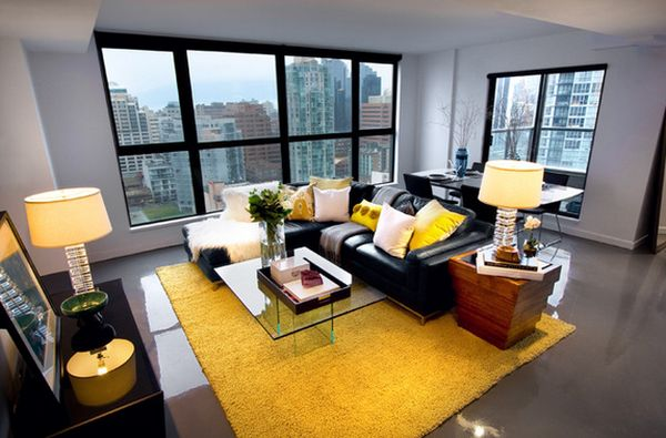Интерьер гостиной с желтыми акцентами