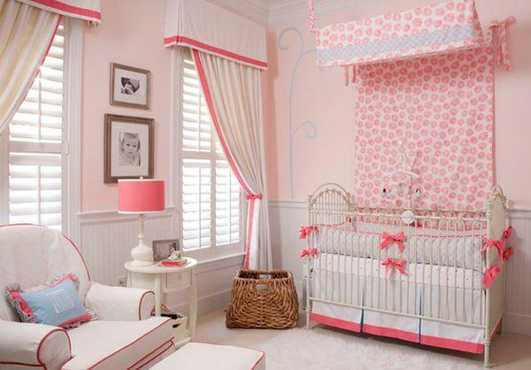 Детская спальня в бело-розовом цвете