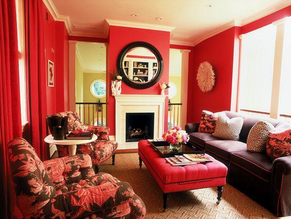 Интерьер гостиной с красными акцентами