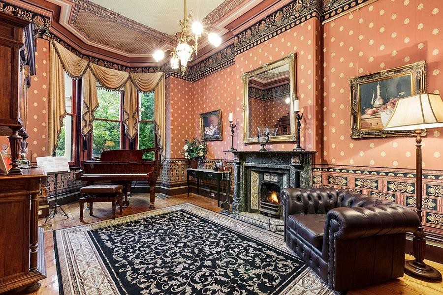 Викторианский стиль в интерьере гостиной от White Pebble Interiors