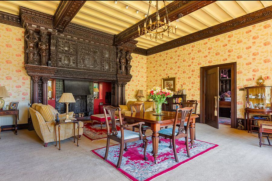 Викторианский стиль в интерьере с камином