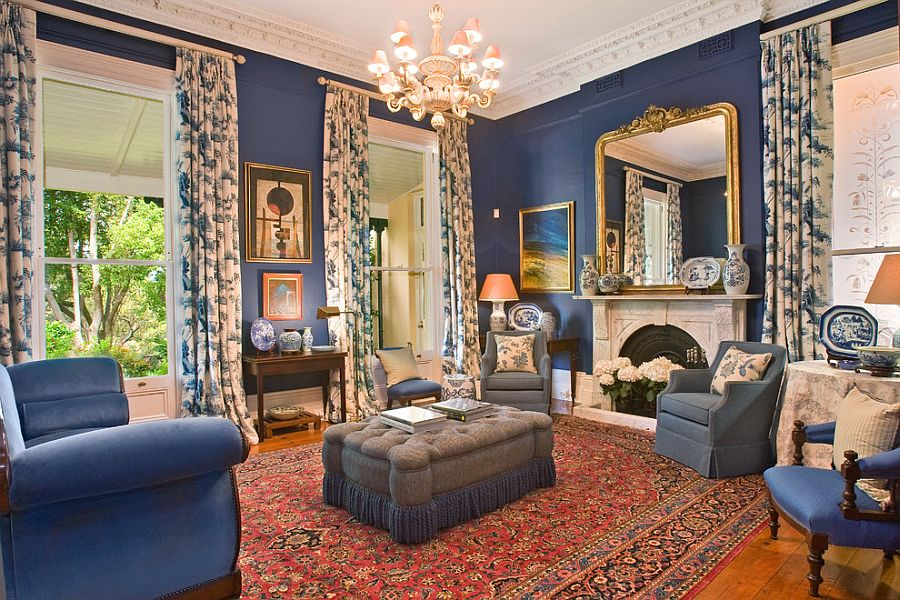 Викторианский стиль в интерьере с синими обоями