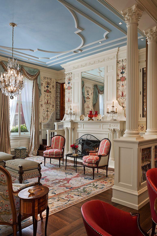 Викторианский стиль в интерьере: подсвечники