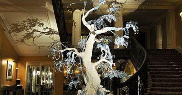 Рождественское дерево от Кристиан Диора даёт дикой природе шанс на жизнь