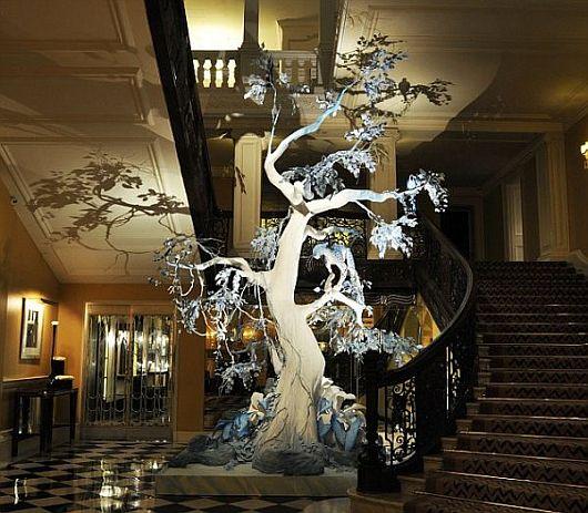 Креативное рождественское дерево от Кристиана Диора