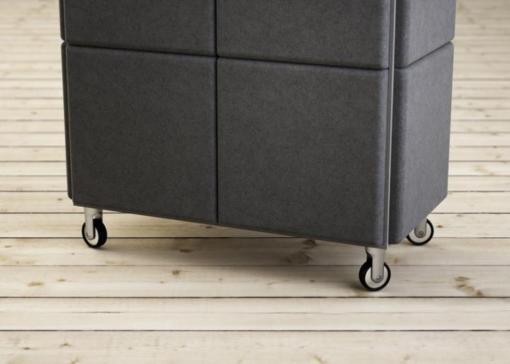 Алюминиевые колёсики у системы хранения в виде войлочных блоков