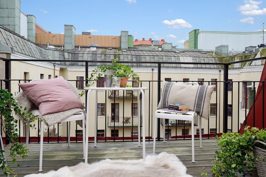 Вид с балкона - улица Гетеборга