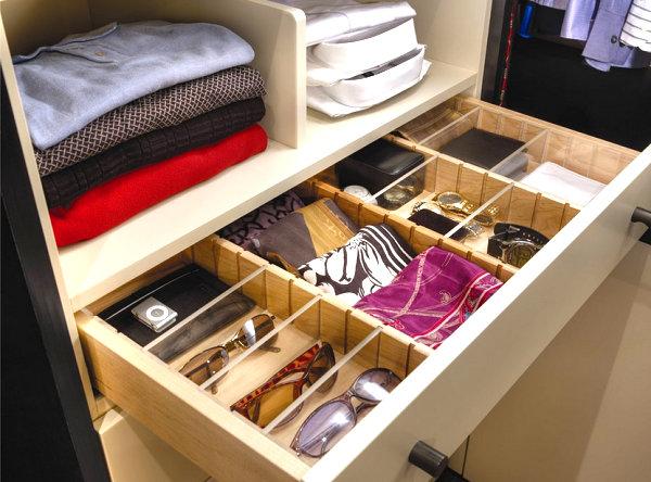 Выдвижной ящик для хранения шарфов и платков