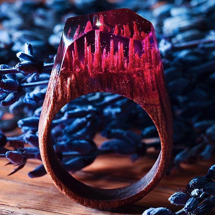 Студия Secret Wood: крошечные пейзажные сцены в кольцах из дерева и смолы