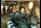 «Самоорганизация» – бронзовая медиа-скульптура Кортни Браун