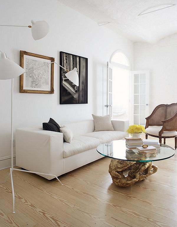 Белый торшер от Serge Mouille в гостиной