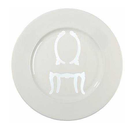 Стул на тарелке