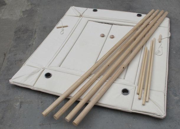 Сборный матерчатый шкаф на деревянном каркасе