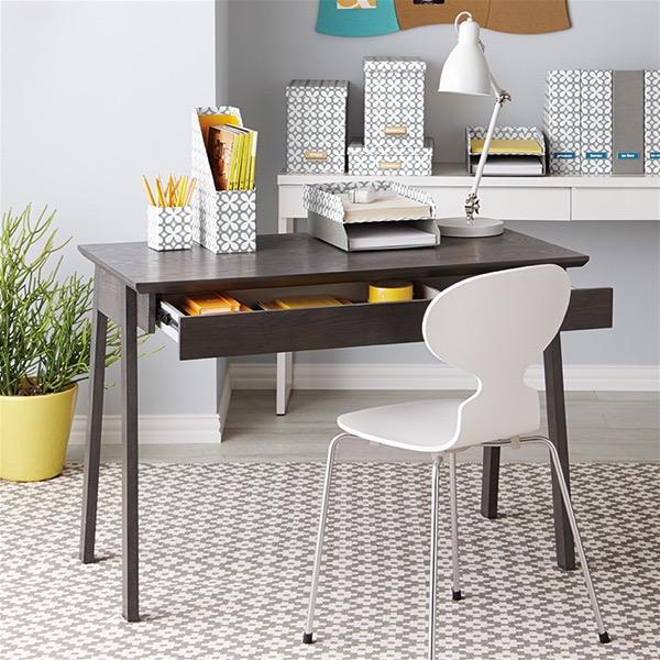 Дизайн стола в классическом стиле