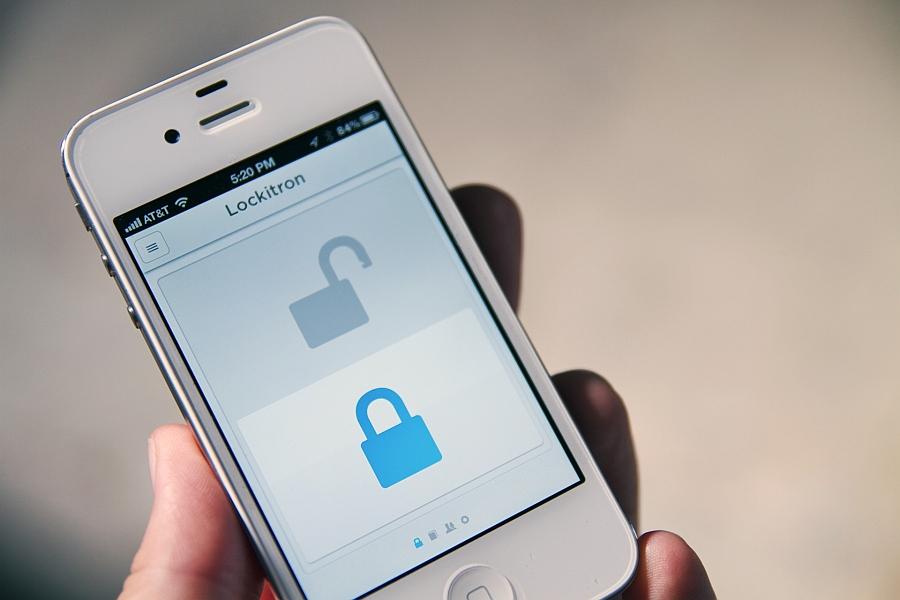 Приложение Lockitron iPhone понятное и удобное