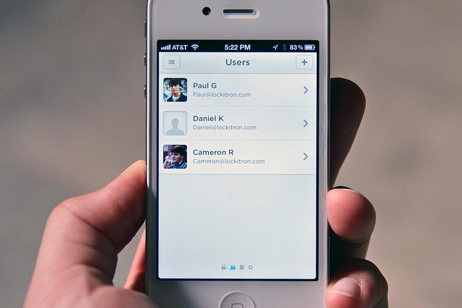 Удобные виртуальные клавиши приложения Lockitron iPhone